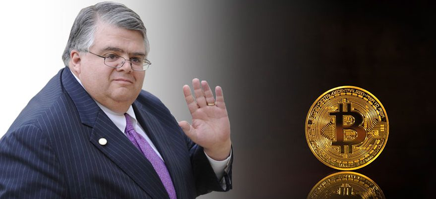 Mexico's central bank governor rejects bitcoin as virtual currency