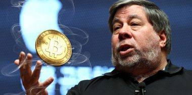 "Money word war: Wozniak says Bitcoin is better than the ""phony"" dollar"