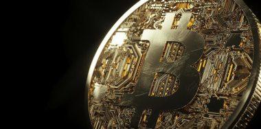 Cryptocurrency market trades sideways, BTC maintains $10,500 level