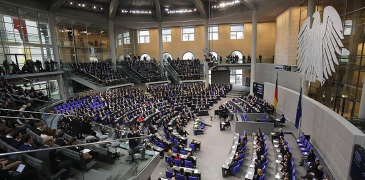 German politicians criticize regulators over 'lack of legal crypto framework'
