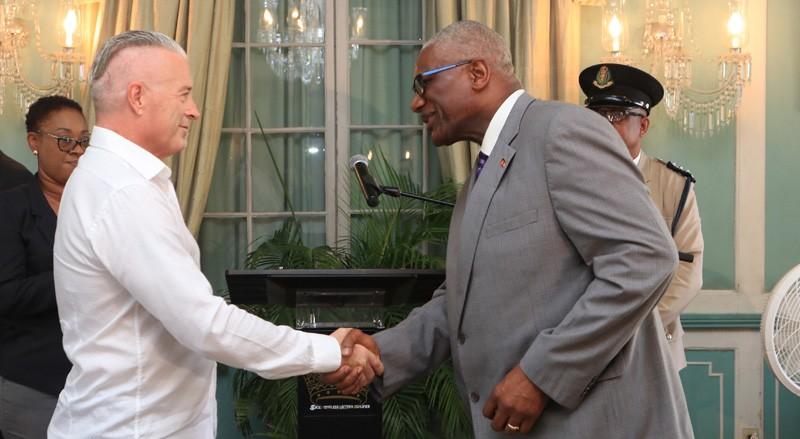 Calvin Ayre receives one of Antigua's highest public awards