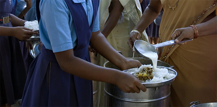 giving-food