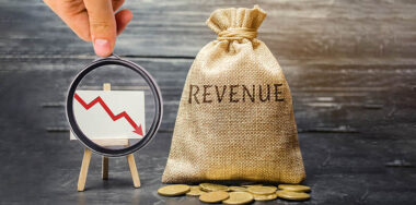 Blockchain revenue down by $2.8B as adoption stalls: report