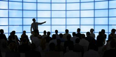 BSV开发者训练营第四天的演讲嘉宾展示了感应合约的全貌