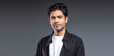 Adrian Grenier announced as speaker at CoinGeek Conference